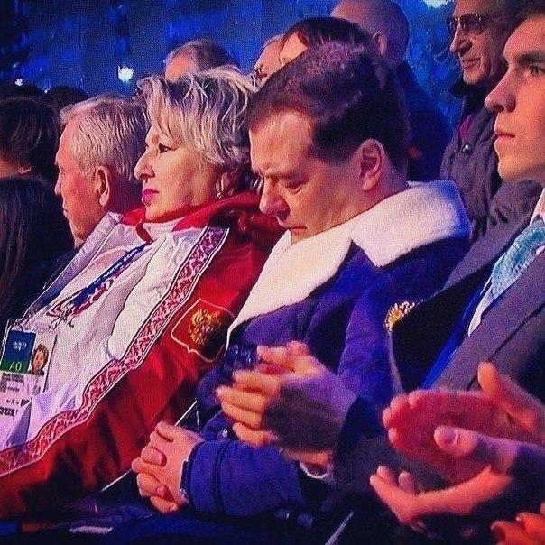 Медведев спит на церемонии открытия Олимпийских игр